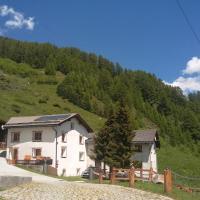 Berghaus am Sonnenhang Valpaschun, hotel in Valchava