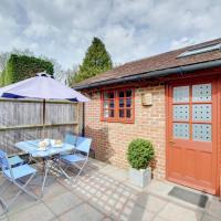 Cosy Holiday Home in Frittenden Kent with Television