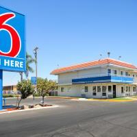 Motel 6-Fresno, CA - Blackstone South, hotel in Fresno