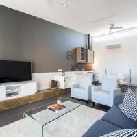 Magnificent Apartment + FREE car park near CBD, hotel in Adelaide