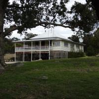Loughmore House, hotel em Eukey