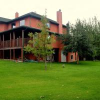 South Africa House Guest Lodge, hotel em Wainwright