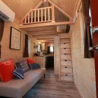 Verde Valley Tiny House 17, hotel in Cottonwood