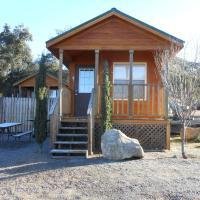 Oakzanita Springs Camping Resort Cabin 1, hotel in Descanso