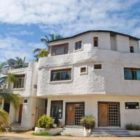 Hostal Galapagos by Bar de Beto, hotel em Puerto Villamil