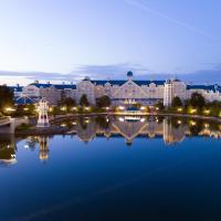 Disney's Newport Bay Club®, hôtel à Chessy
