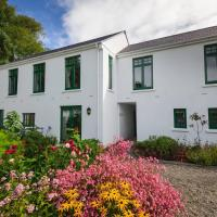 Milntown Self Catering Apartments, hotel in Ramsey