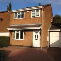 Cosy 3 bed detached house Birmingham