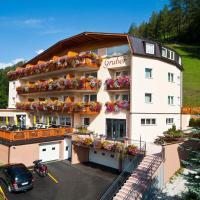 Hotel Gruber, hotel in Sesto