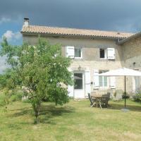 Charente 2 bedroom Gite, hotel in Bernac