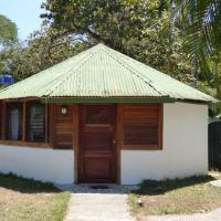 Corcovado Beach Lodge, hotel in Puerto Jiménez
