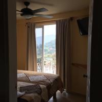 Hotel y Estancia 24-7, hotel en Xilitla