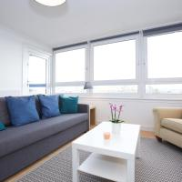 Chic 3BR, sleeps 8, close to The Oval and Kennington