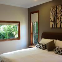 Mistinthegumtrees Eco Luxury Cabins, hotel em Cooranbong