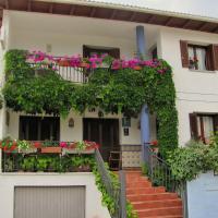 Pensión El Peregrino, hotel in Larrasoaña