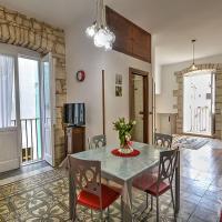 """Antiche Mura Apartment """"Nel Cuore della Puglia""""bivani, cucina, terrazzo"""