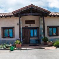 Apartamentos Rurales La Carbayala, hotel in Oviñana