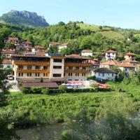 Family Hotel Enica, hotel in Teteven