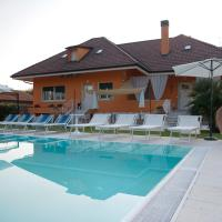 Villa Orange, hotell i Pescantina