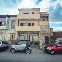 Ivica Apartments, hotel in Imotski