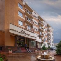 Voyage Hotel, hotel in Almaty