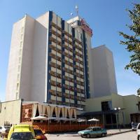 7 Days Hotel Kamyanets-Podilskyi, готель у місті Кам'янець-Подільский