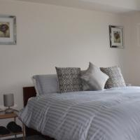 Castell Cottages, hotel in Caerphilly