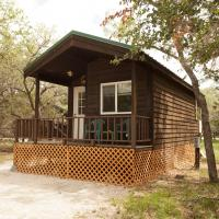 San Benito Camping Resort Studio Cabin 1, hotel in Paicines