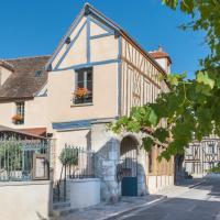 Hôtel Aux Vieux Remparts, The Originals Relais (Relais du Silence), hotel in Provins