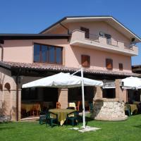Country House Il Piacere, hotell i Civitella del Tronto