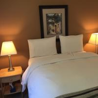 Driftwood by the Sea Inn, hotel near Campbell River Airport - YBL, Campbell River