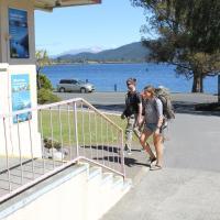 Te Anau Lakefront Backpackers, hotel in Te Anau
