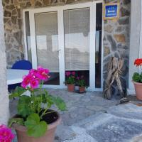 Apartment Mare, hotel near Zadar Airport - ZAD, Babin Dub Pločanski