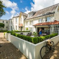 Les Douvres Hotel, hotel in St. Martin Guernsey