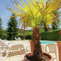 Lovely Cottage In Vezac with Swimming Pool