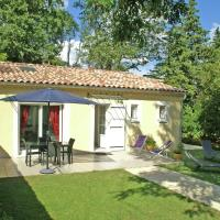 Cozy Holiday Home with Swimming Pool near Lake in Piolenc, hotel in Piolenc