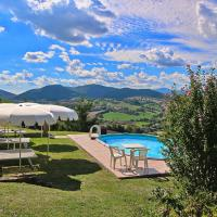 Peaceful Holiday Home in Piticchio with garden and barbecue, hotel in Arcevia