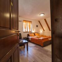 Guest House Rustico, hotel in Korenica