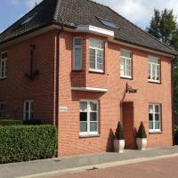 Spacious Villa in Neerpelt near Welvaart Marina, hotel in Pelt