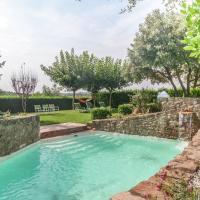 Vintage Mansion with Swimming Pool in Montmajor Spain, hotel in Montmajor