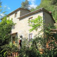 Spacious Cottage with Private Pool by Forest in Marliana