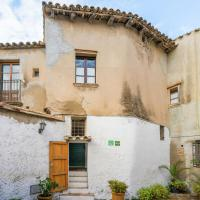 Cozy Cottage in Pacs del Penedes with Fenced Courtyard