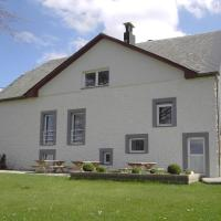 Beautiful Holiday Home in Heppenbach with Garden, hotel in Amblève