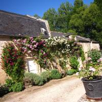 Cosy Holiday Home in Lantheuil with Garden