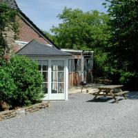 Cosy Cottage in Ardennes with a Garden, hôtel à Ferrières