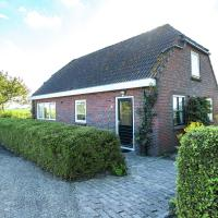Peaceful Holiday Home in Finsterwolde with Barbecue, hotel in Finsterwolde