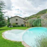 Countryside Cottage in Cambrils with Swimming Pool, hotel en Odèn