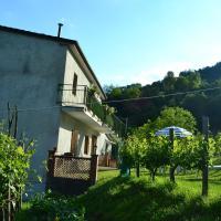 Welcoming Holiday Home in Molazzana with Private Pool, hotell sihtkohas Molazzana