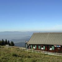 Cozy Holiday Home in Zwischenwasser near Ski Lift