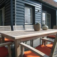 Stylish Holiday Home in Zuidzande with Sauna, hotel in Zuidzande